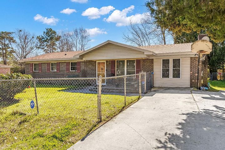 4447 Hardwood St, Ladson, SC 29456