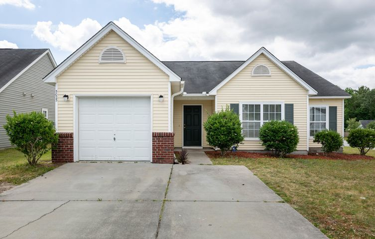 5025 Holdsworth Drive, Summerville, SC 29485