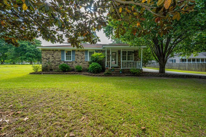 7230 Commodore Road, Hollywood, SC 29449