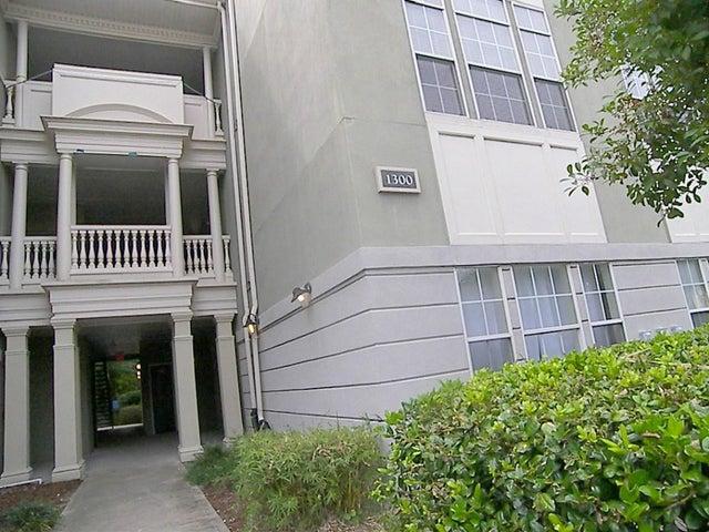 1337 Telfair Way, Charleston, SC 29412