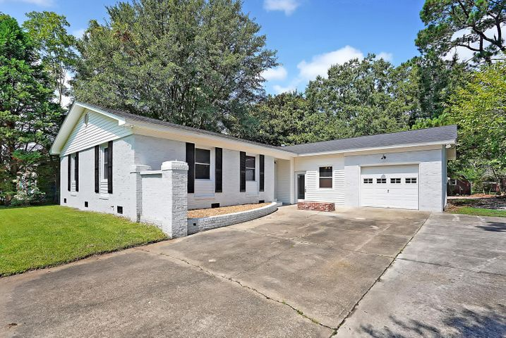 1391 Pooshee Drive, Charleston, SC 29407