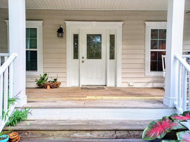 "Inviting veranda says ""WELCOME"""