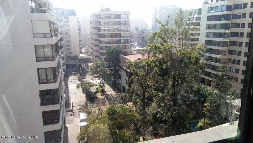 Departamento Región Metropolitana>Santiago>Las Condes - Venta:9.393 Unidades de Fomento - codigo: 17-94