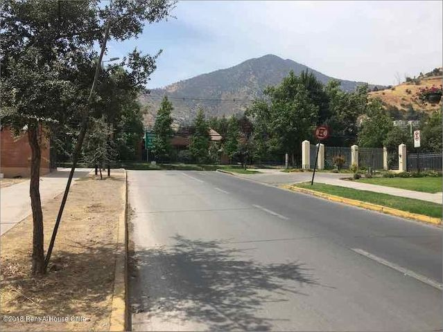 Departamento Región Metropolitana>Santiago>Huechuraba - Venta:6.350 Unidades de Fomento - codigo: 18-141
