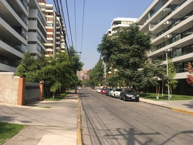 Departamento Región Metropolitana>Santiago>Vitacura - Venta:13.500 Unidades de Fomento - codigo: 19-52