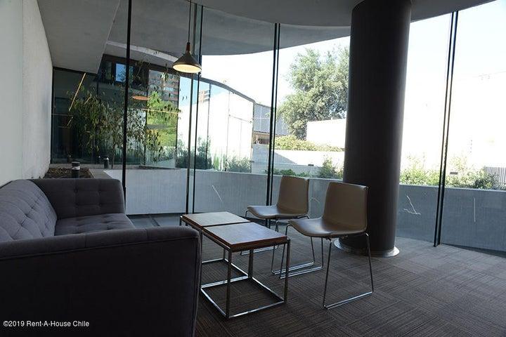Oficina Región Metropolitana>Santiago>Vitacura - Arriendo:56 Unidades de Fomento - codigo: 20-21