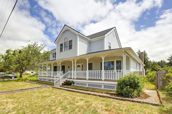 867 Cottage Ave, Gearhart, OR 97138