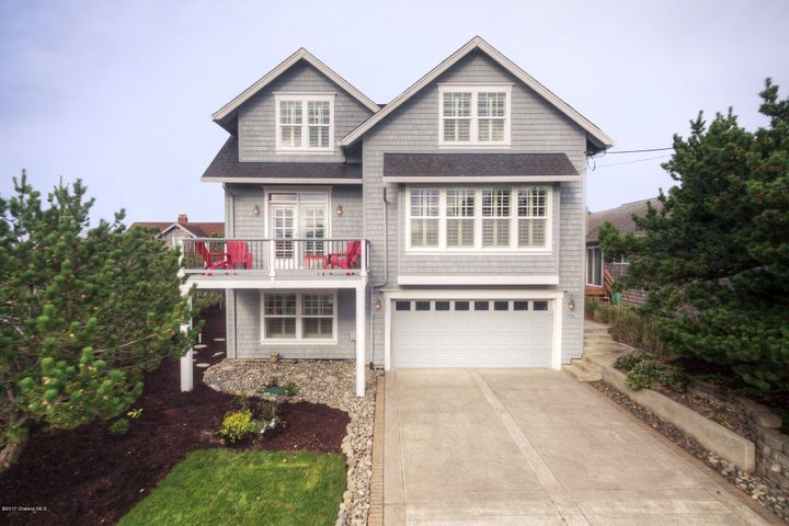 156 6th St, Gearhart, OR 97138