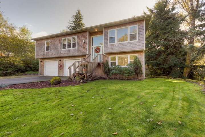 2250 Skyline Dr, Seaside, OR 97138