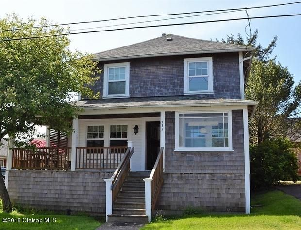 435 3rd Ave, Seaside, OR 97138