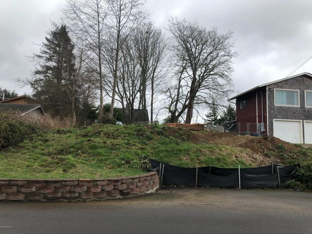 1830 5th St, Astoria, OR 97103