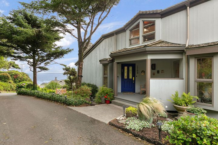 1764 View Point Terr, Cannon Beach, OR 97110