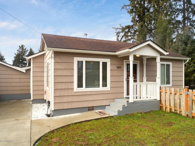 1651 9th St, Astoria, OR 97103