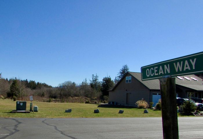 Build your new home at the coast here by the beautiful Nehalem Bay!