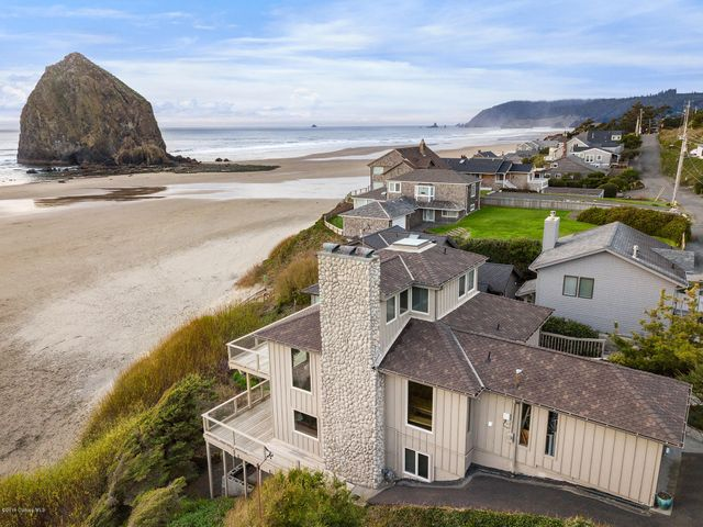 Unparalled 180 degree+ Views of Haystack Rock & the Coastline