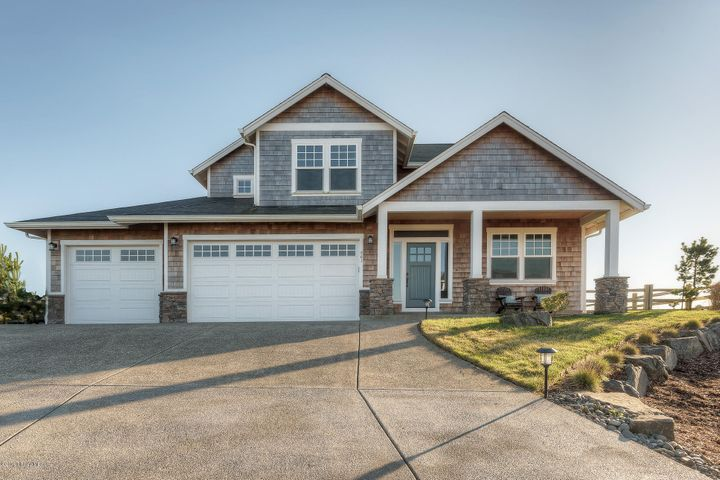 561 Lanthorn Ln, Gearhart, OR 97138