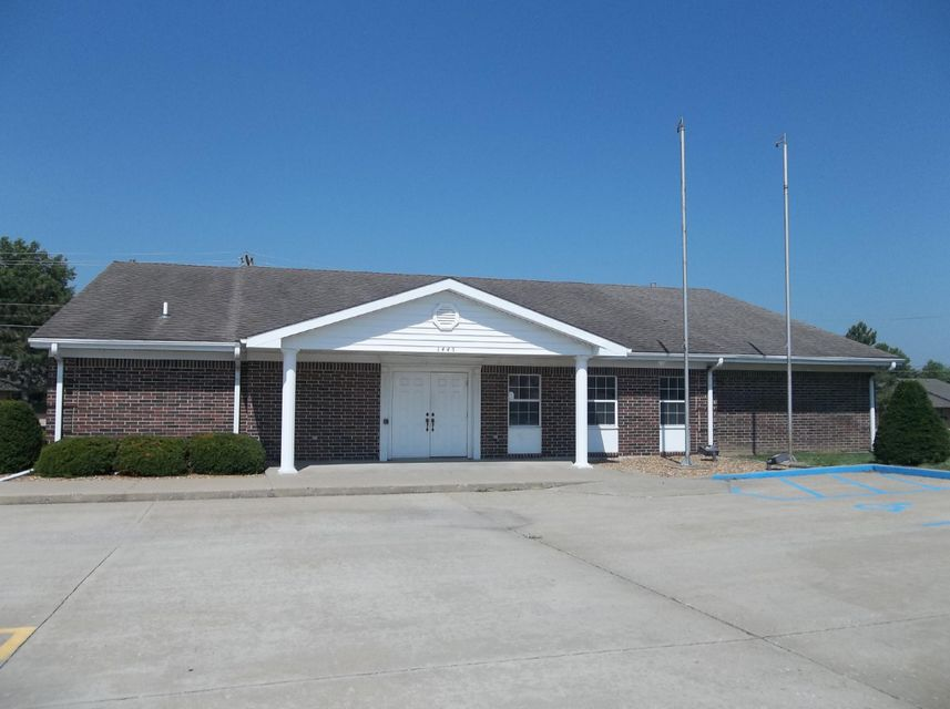 Commercial for sale – 1445 W COLLEGE   Marshall, MO