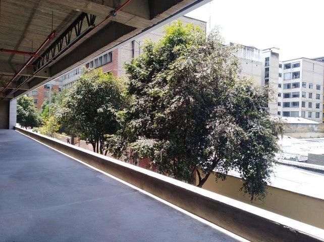 Local Comercial Bogota D.C.>Bogota>Las Nieves - Arriendo:1.983.200 Pesos - codigo: 18-231