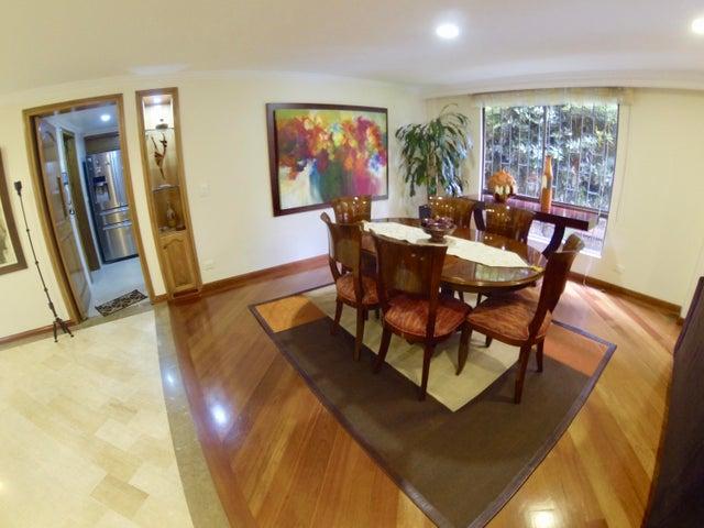 Apartamento Bogota D.C.>Bogota>Santa Barbara - Venta:660.000.000 Pesos - codigo: 18-269