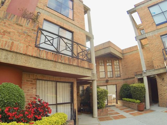 Casa Bogota D.C.>Bogota>Gratamira - Venta:620.000.000 Pesos - codigo: 18-411