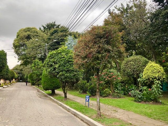 Casa Bogota D.C.>Bogota>La Campina Suba - Venta:340.000.000 Pesos - codigo: 18-383