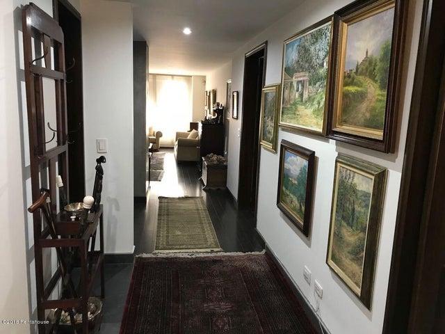 Apartamento Bogota D.C.>Bogota>Santa Barbara Occidental - Venta:670.000.000 Pesos - codigo: 18-390