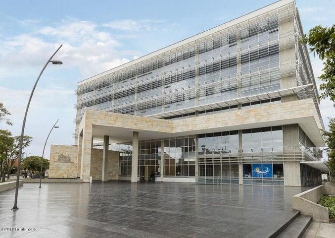 Local Comercial Bogota D.C.>Bogota>Zona Franca - Arriendo:12.650.400 Pesos - codigo: 18-427