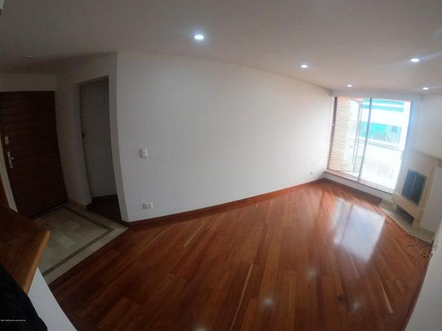 Apartamento Bogota D.C.>Bogota>Santa Barbara Occidental - Arriendo:1.800.000 Pesos - codigo: 18-751
