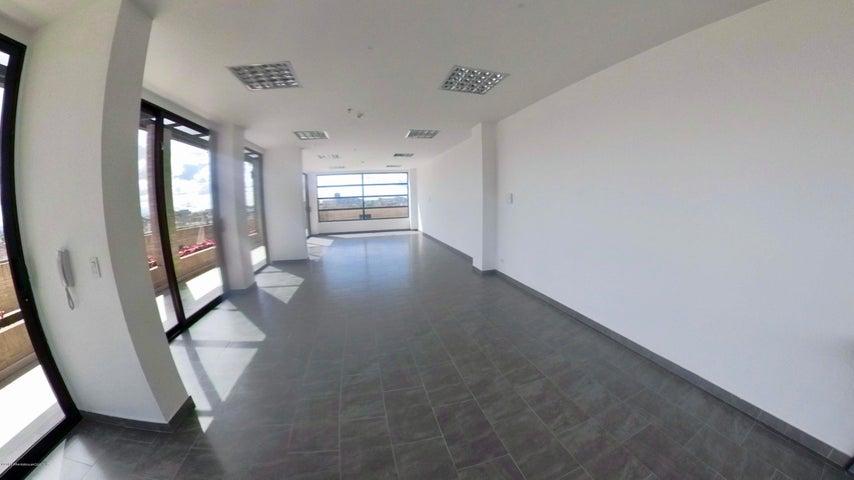 Oficina Bogota D.C.>Bogota>Santa Barbara - Arriendo:3.800.000 Pesos - codigo: 19-9