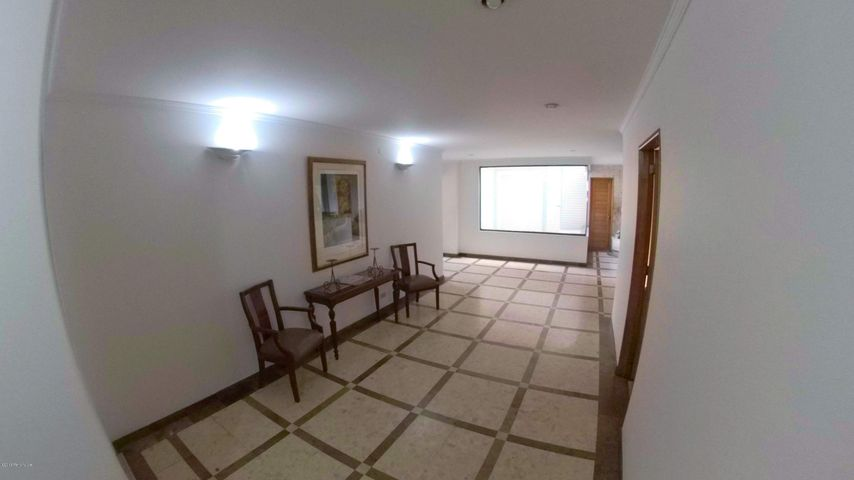 Apartamento Bogota D.C.>Bogota>Santa Barbara - Venta:430.000.000 Pesos - codigo: 19-35
