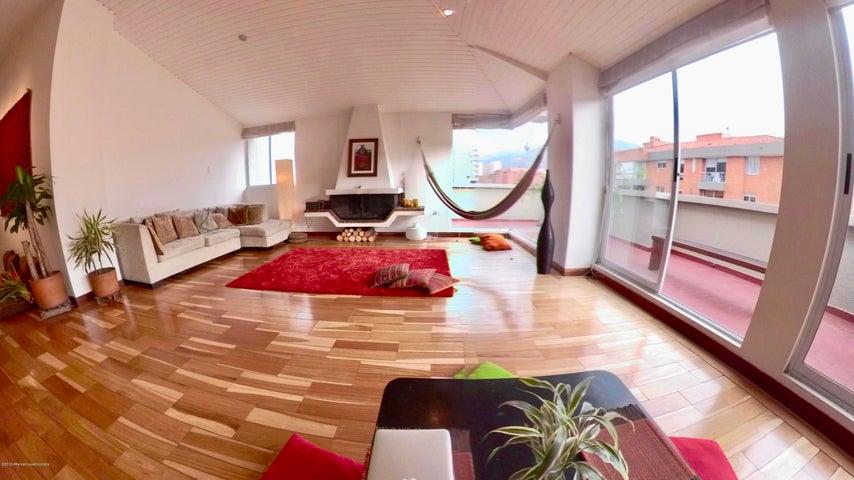 Apartamento Bogota D.C.>Bogota>Santa Paula - Venta:650.000.000 Pesos - codigo: 19-40