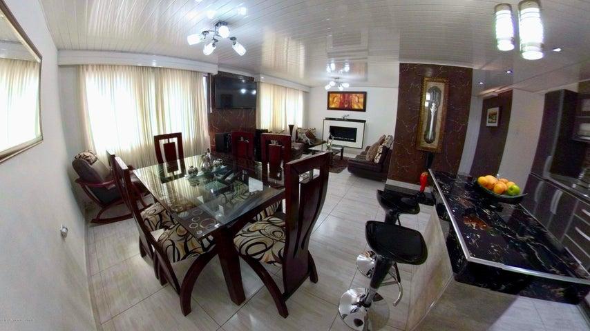 Casa Bogota D.C.>Bogota>San Rafael Puente Aranda - Venta:950.000.000 Pesos - codigo: 19-44
