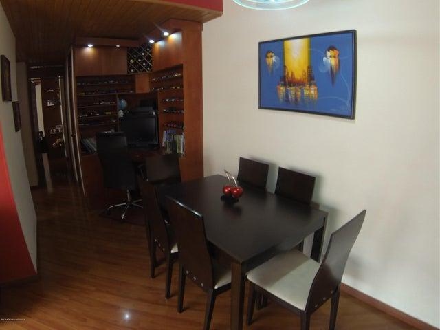 Apartamento Bogota D.C.>Bogota>Hayuelos - Venta:240.000.000 Pesos - codigo: 19-51