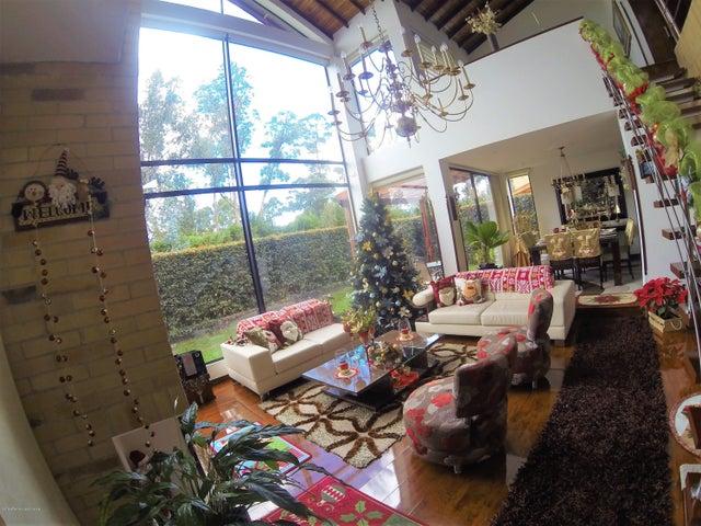Casa Cundinamarca>Cajica>Vereda Canelon - Venta:1.200.000.000 Pesos - codigo: 19-98