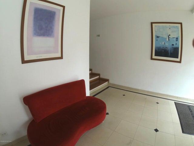 Apartamento Bogota D.C.>Bogota>Santa Barbara Occidental - Arriendo:2.340.000 Pesos - codigo: 19-120