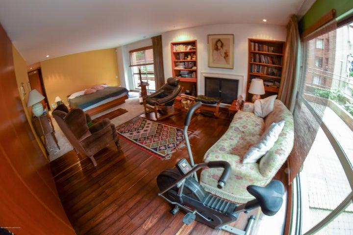 Apartamento Bogota D.C.>Bogota>Los Rosales - Venta:1.900.000.000 Pesos - codigo: 19-138