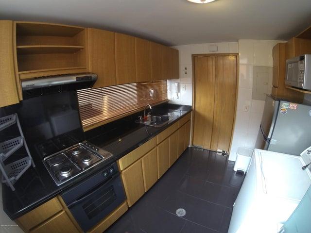 Apartamento Bogota D.C.>Bogota>Santa Barbara Occidental - Venta:330.000.000 Pesos - codigo: 19-299