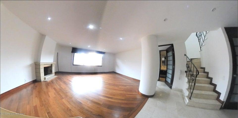 Apartamento Bogota D.C.>Bogota>Chico Navarra - Venta:725.000.000 Pesos - codigo: 19-301
