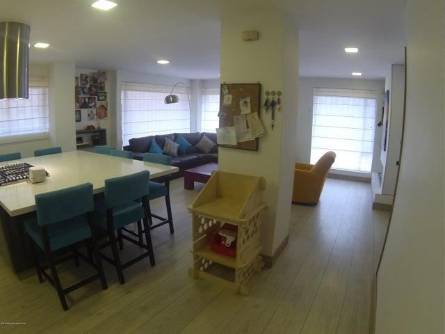 Apartamento Bogota D.C.>Bogota>La Carolina - Venta:580.000.000 Pesos - codigo: 19-388