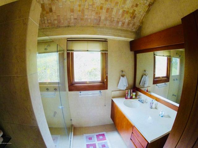 Casa Cundinamarca>Tabio>Vereda Rio Frio - Venta:3.000.000.000 Pesos - codigo: 19-404