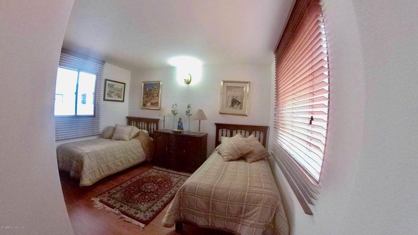 Apartamento Bogota D.C.>Bogota>Chico Navarra - Venta:1.300.000.000 Pesos - codigo: 19-413