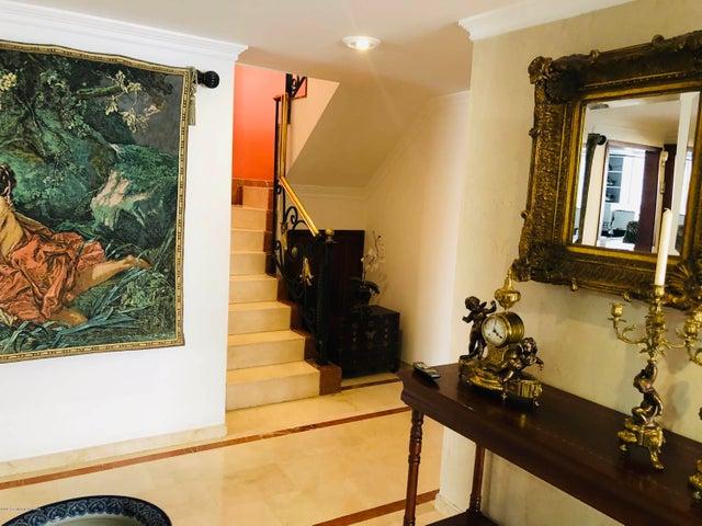 Apartamento Bogota D.C.>Bogota>Santa Barbara Occidental - Venta:1.070.000.000 Pesos - codigo: 19-492
