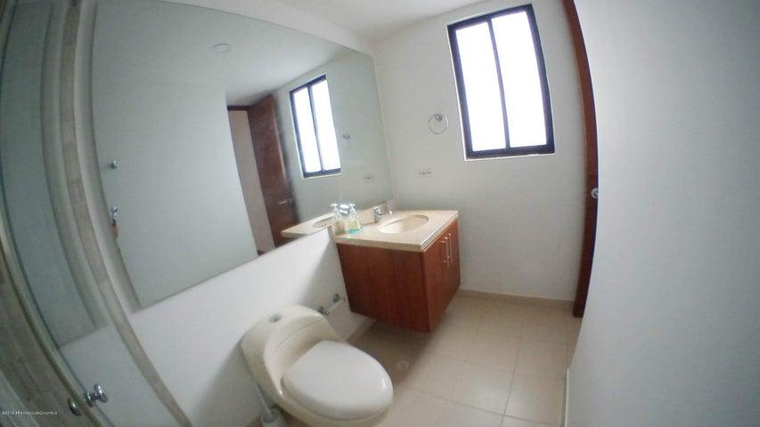 Casa Cundinamarca>Chia>Vereda Tiquiza - Venta:440.000.000 Pesos - codigo: 19-533
