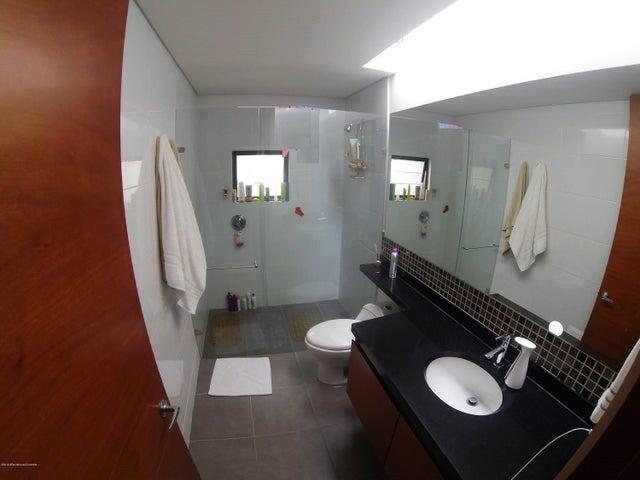Casa Cundinamarca>Chia>Hacienda Fontanar - Venta:905.000.000 Pesos - codigo: 19-542