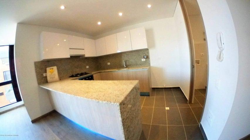 Apartamento Bogota D.C.>Bogota>Puente Largo - Venta:470.000.000 Pesos - codigo: 19-551