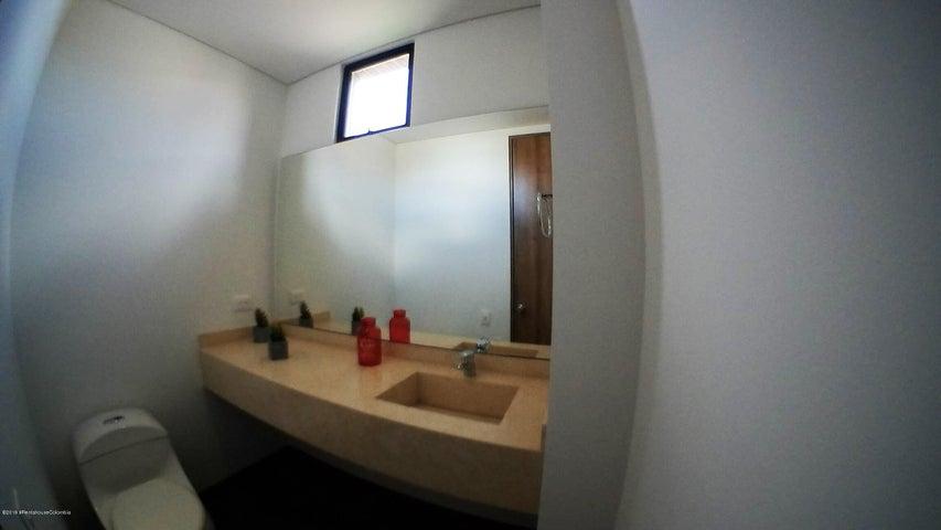 Casa Cundinamarca>Cajica>Calahorra - Venta:750.000.000 Pesos - codigo: 19-602