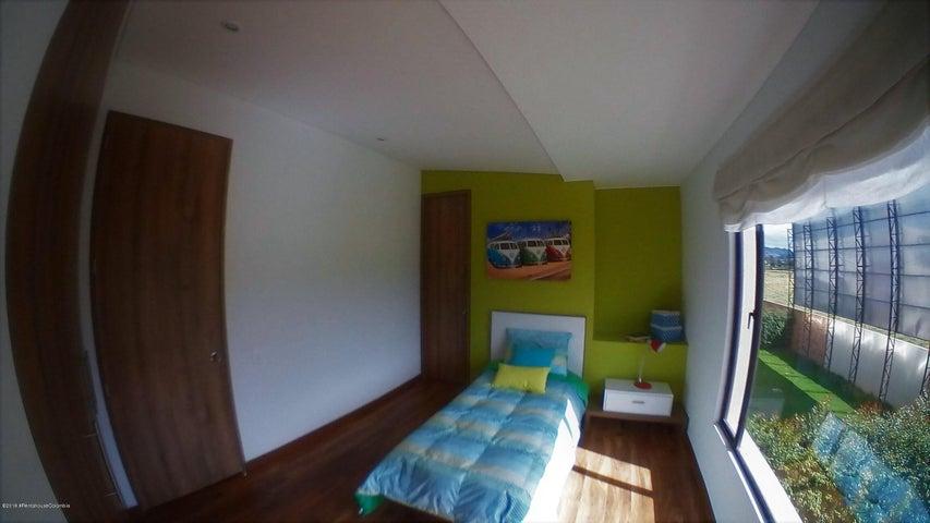 Casa Cundinamarca>Cajica>Calahorra - Venta:800.000.000 Pesos - codigo: 19-604