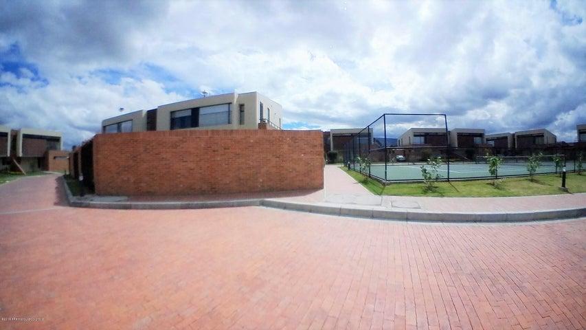 Casa Cundinamarca>Cajica>Calahorra - Venta:863.500.000 Pesos - codigo: 19-606