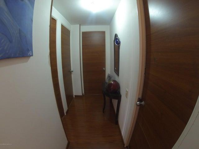 Apartamento Bogota D.C.>Bogota>Mazuren - Venta:253.000.000 Pesos - codigo: 19-608
