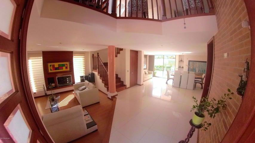 Casa Cundinamarca>Chia>Sabana Centro - Venta:780.000.000 Pesos - codigo: 19-622